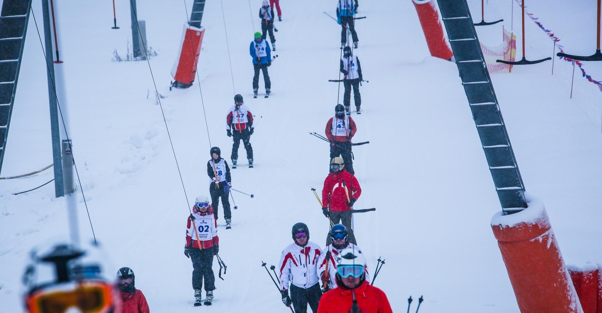 wyciąg narciarski, kolejka, Adamed